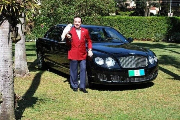 image-of-scarpa-standing-beside-his-bentley-car
