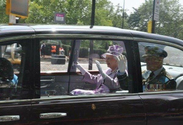 image-of-queen-elizabeth-bentley-state-limousine