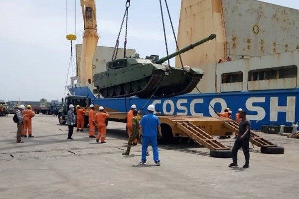 image-of-Nigerian-army-takes-delivery=of-armoured-tank-and-artillery-vehicles