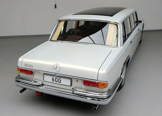 image-of-mercedes-pullman-600-rear-view