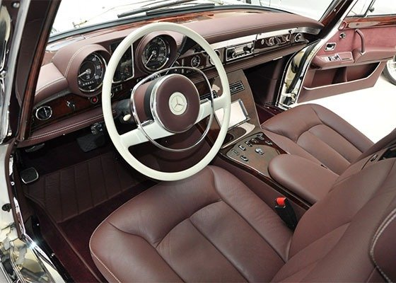 image-of-mercedes-pullman-600-interior-view