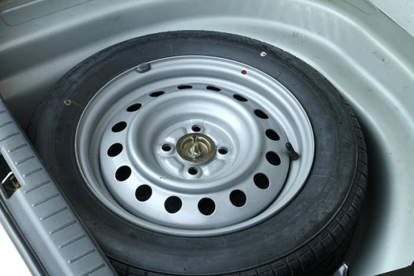 image-of-storage-space-for-tyre-in-a-car