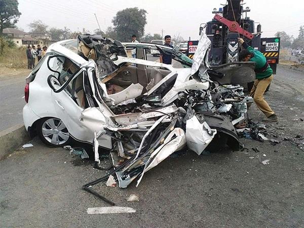 image-of-09-tips-of-driving-in-raining-season