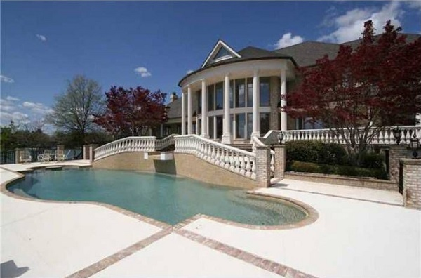 image-of-mj-north-carolina-luxury-home