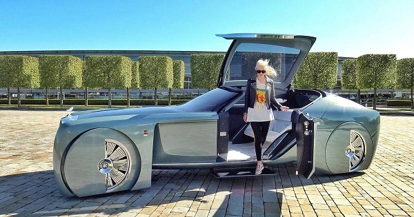 image-of-supercar-blondie-biography-net-worth-and-cars