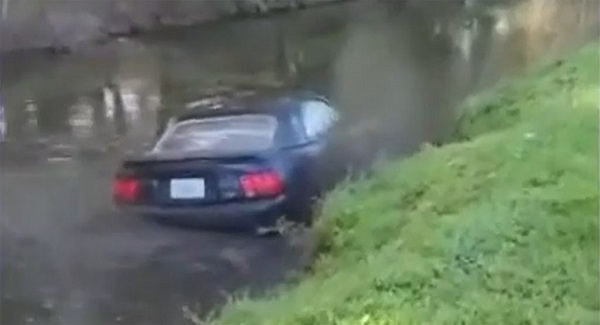 image-of-mustang-crashed-into-canal-in-florida